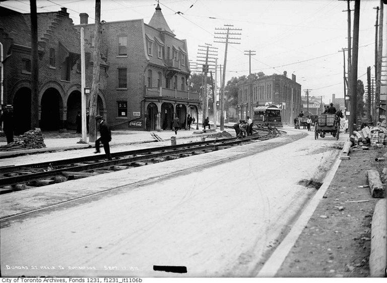 Dundas Street West at Royce Avenue (Peacock Hotel) | Public Domain/City of Toronto Archives