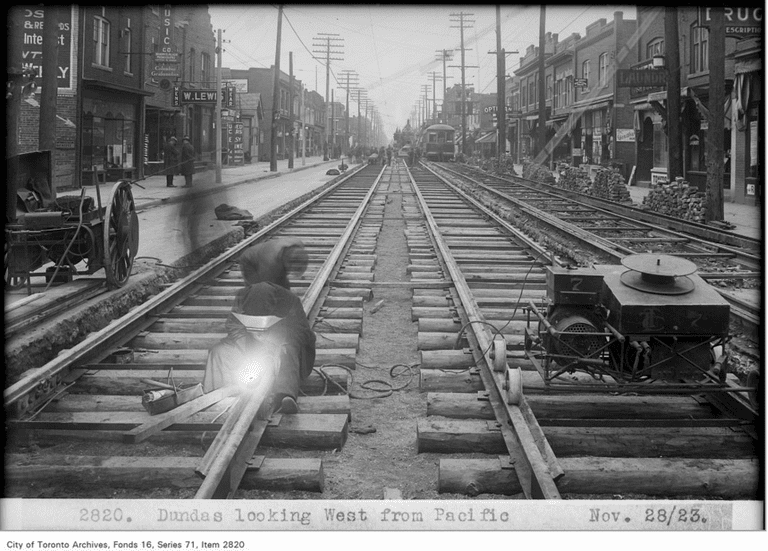 Dundas, looking west, from Pacific | Public Domain/City of Toronto Archives