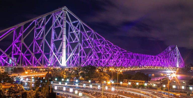 A picture of the Howrah Bridge, 2012/©Shubhankar.sengupta19/WikiCommons