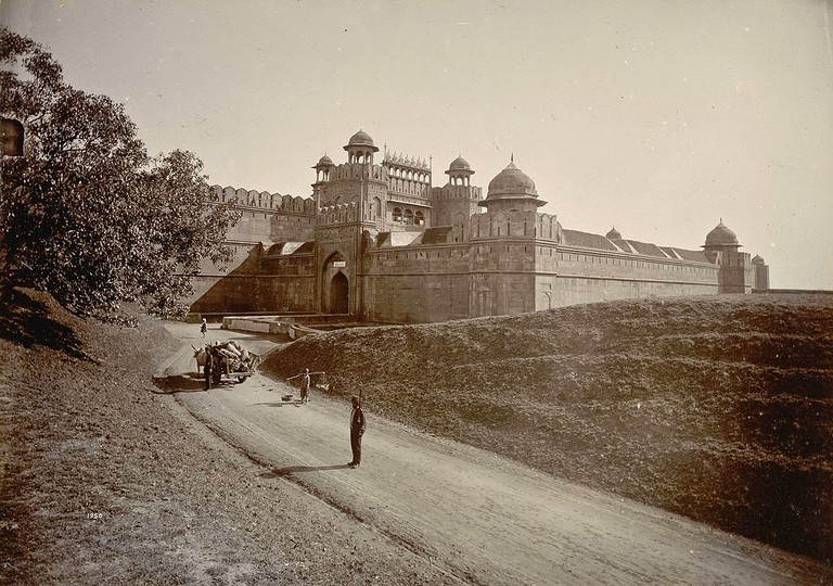 Delhi Gate of the Red Fort in the 1890s/©Lala Deen Dayal (1844-1905)/WikiCommons