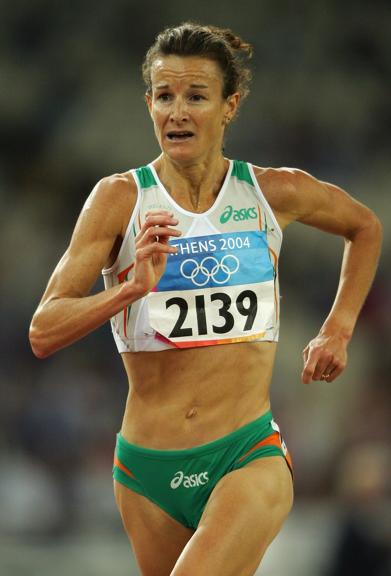 Sonia O'Sullivan competes in the women's 5000 metre event on August 20, 2004 during the Summer Olympic Games in Athens