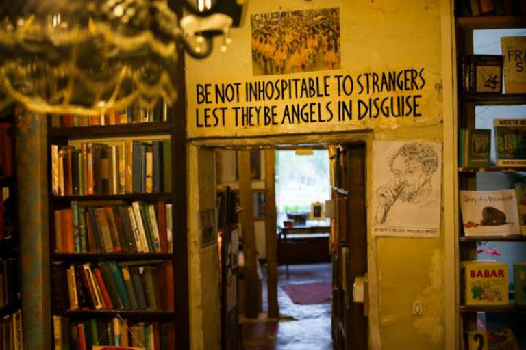 Shakespeare & Company | © Bonnie Elliot