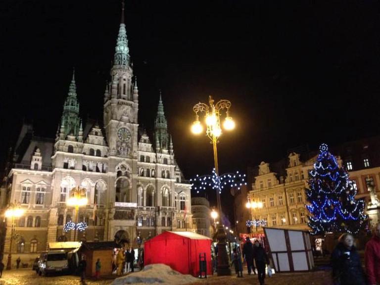 Town Hall at Christmas | © Lani Seelinger