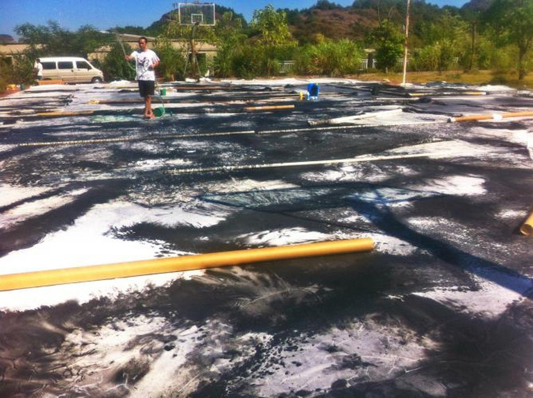 Longhu Mountain no. 20 – the process of creating vast site specific ink paintings, image courtesy the artist