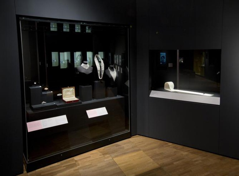 Kokichi Maimoto, Installation image of 'Pearls' | © Victoria and Albert Museum