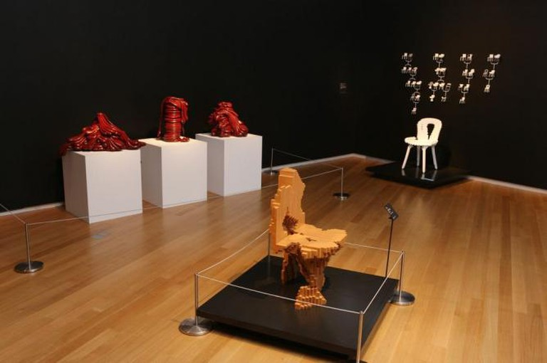 Out of Hand: Materialising the Postdigital at the Museum of Arts and Design