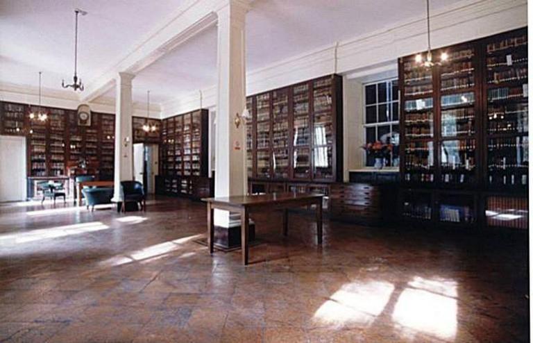 Garrison Garrison Library