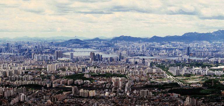 Seoul Panorama from Namhansanseong | © MAMA/WikiCommons