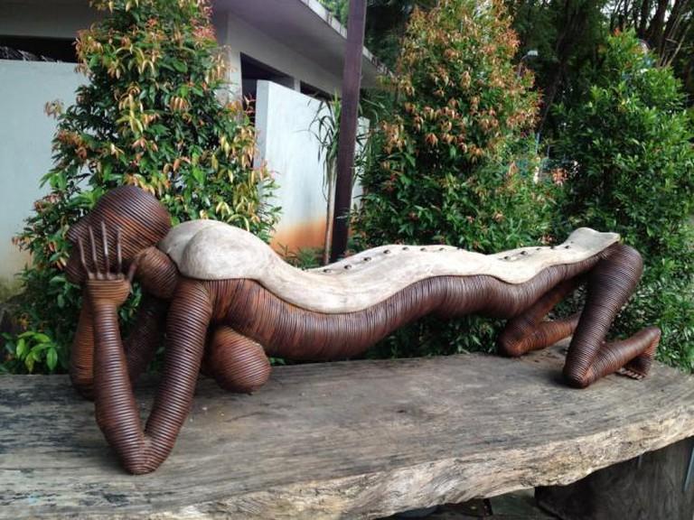 Sculptural Bench   © Ideation