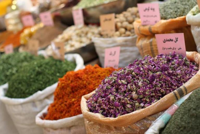 Bazaar-e Bozorg, Esfahan, Iran   © yeowatzup/ Flickr