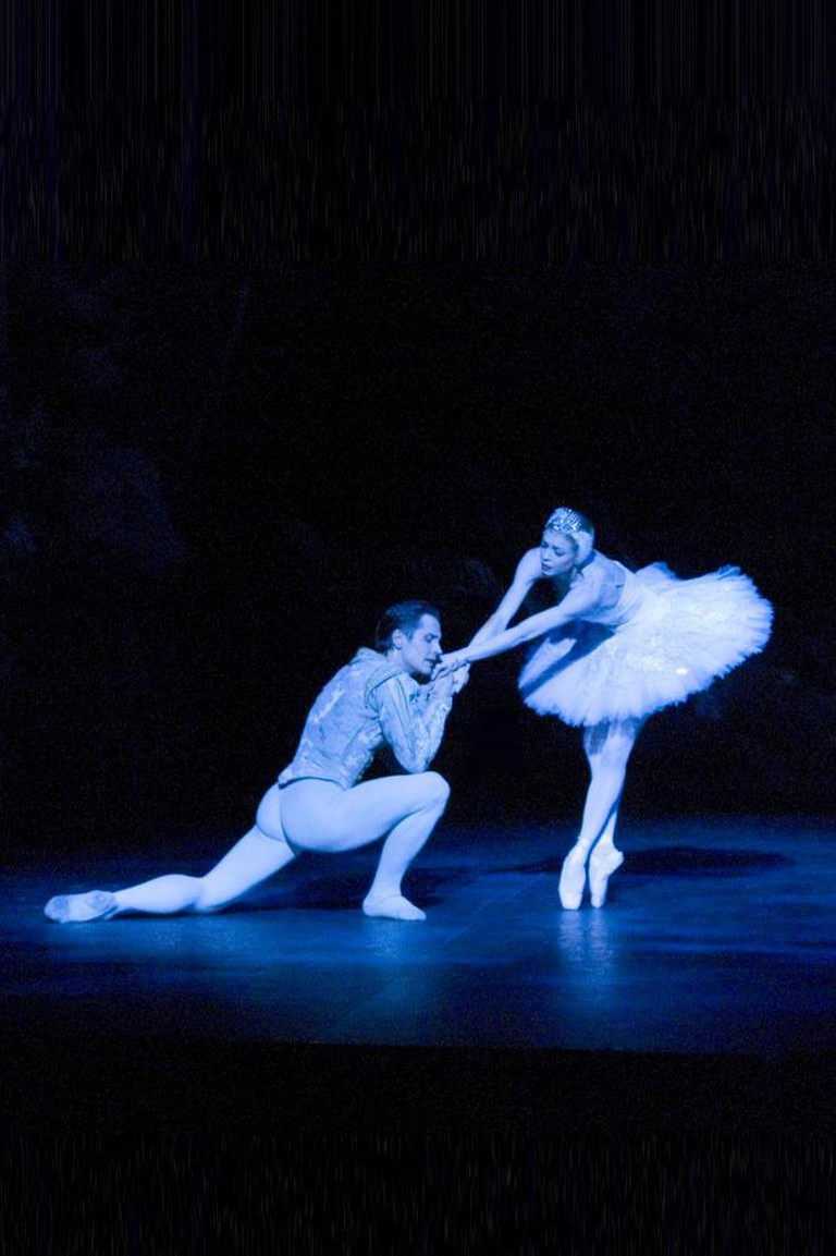 Agnes - White Swan with Thomas Edur in Swan Lake