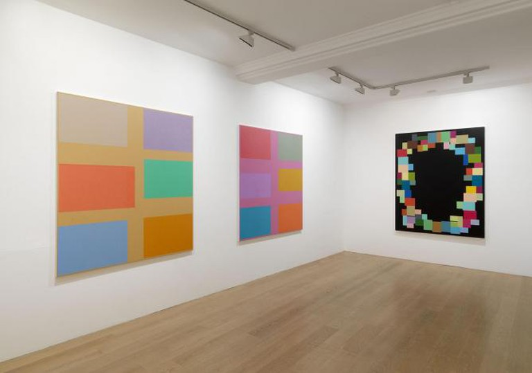 Jon Thompson, Installation view: Simple Paintings, 2013 | © The artist, courtesy Anthony Reynolds Gallery, London