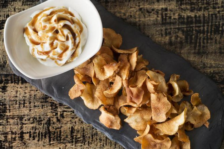 Curate Apple Chips © Evan Sung