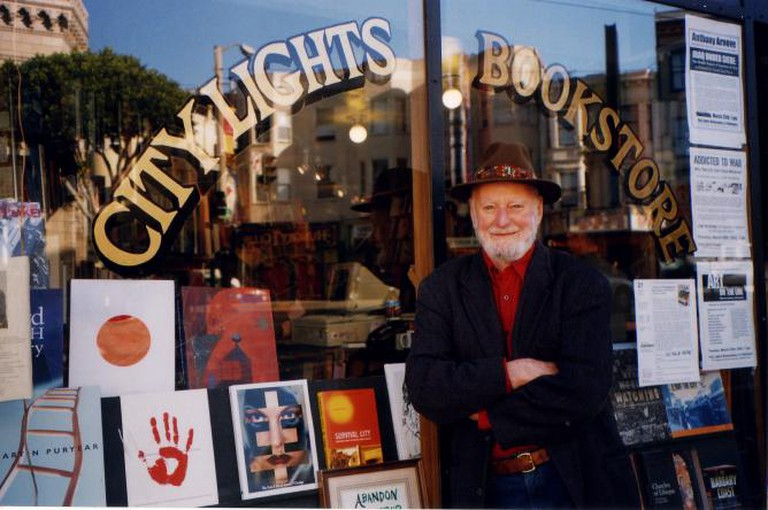 Lawrence Ferlinghetti in front of his City Lights Booksellers and Publishers | © Stacey Lewis, City Lights