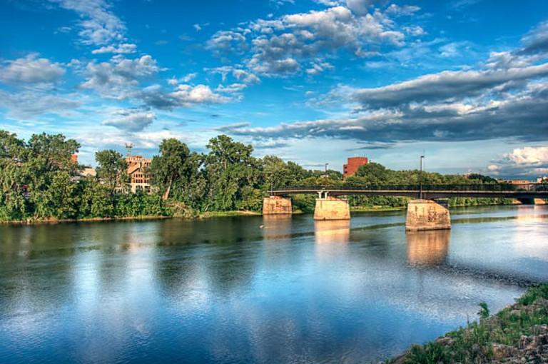 Bridge over the Chippewa River in Eau Claire, WI | © Randen Pederson/Flickr