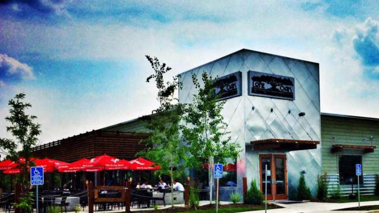 Exterior of Lone Oak | © Courtesy of Lone Oak Grill / Shawn Murray