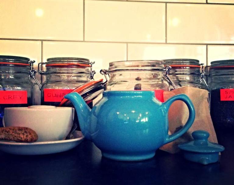 Loose leaf tea, pot and bag   © 56 St James