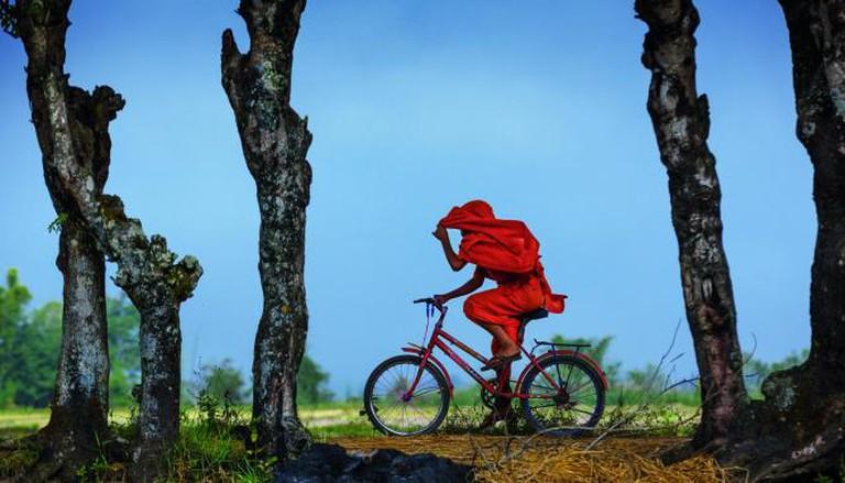 Novice cycling in Wan Puak Palaung Village in Shan State | © David Heath