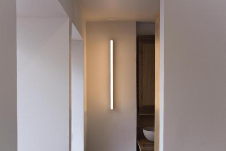 Tube Wall Light Brass, Image courtesy of Michael Anastassiades   © Edouard Auffray