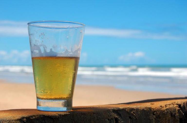 Beer at the Beach   @Rodrigo Menezes/WikiCommons
