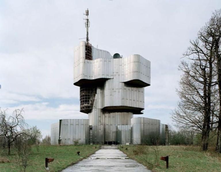 Spomenik2