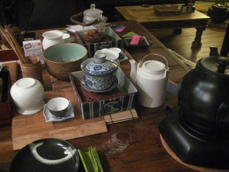Table Set for Tea - Teanamu Chaya Teahouse. © AnnieMole/Flickr