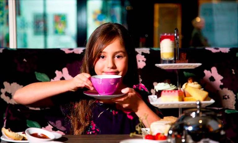 Stupendous Afternoon Tea. © LondonHotelsInsight/Flickr