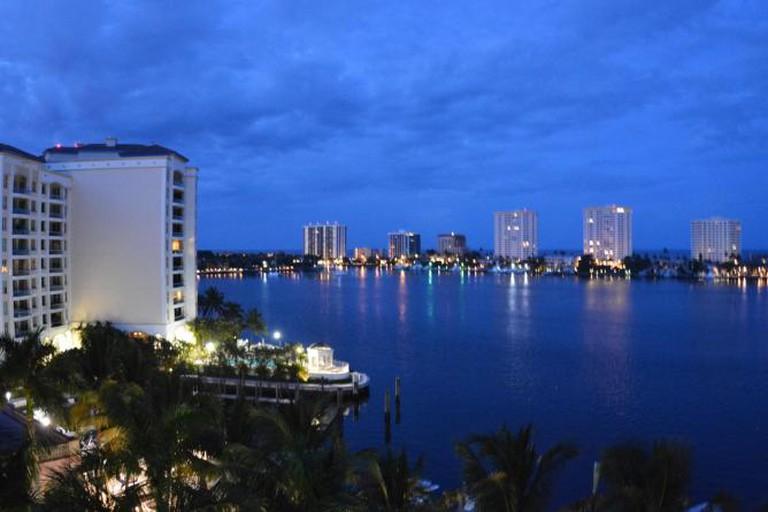 Sunset in Boca Raton, Florida © D Ramey Logan/Wikipedia
