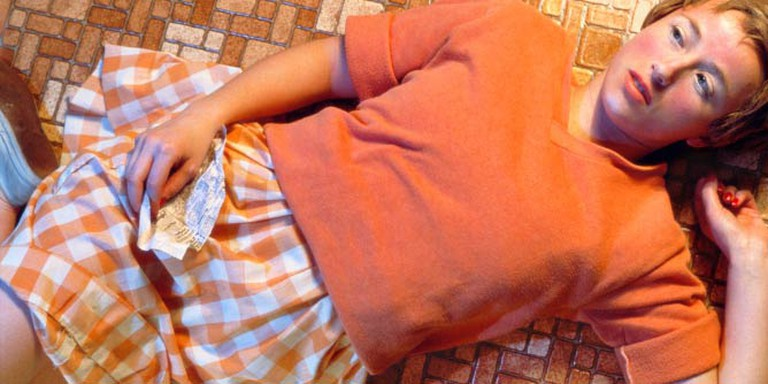 Cindy Sherman, Untitled #96, 1981, Chromogenic color print, 24 x 48 inches/60.96 x 121.92 cm, Edition of 10 | Courtesy of the artist and Metro Pictures