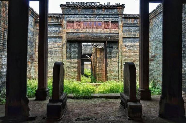 Entering Daijangpu a look at the abandoned linage temples © Gaetan Reuse