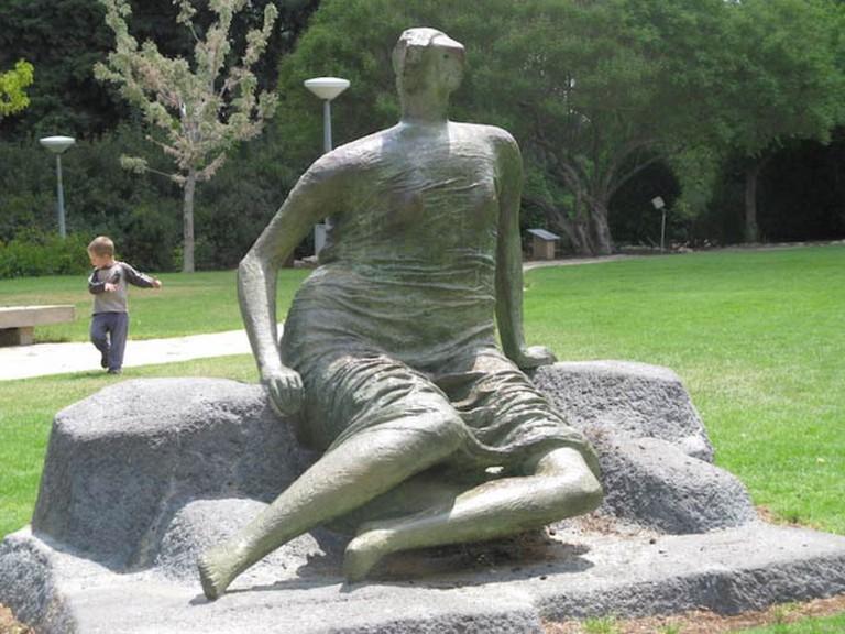 Henry Moore, Draped seated woman at Hebrew University, Jerusalem   Photograph © Yair Haklai/Wikicommons