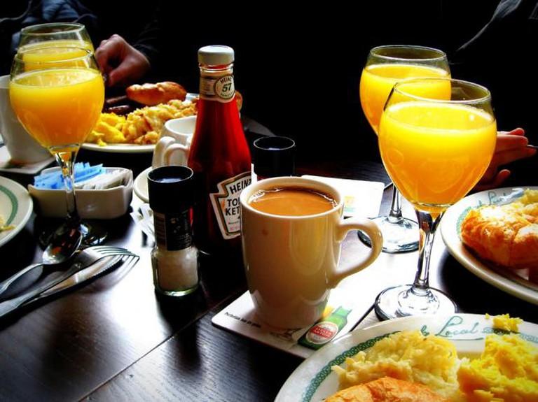 Brunch & Mimosas © Jenni Konrad/Flickr