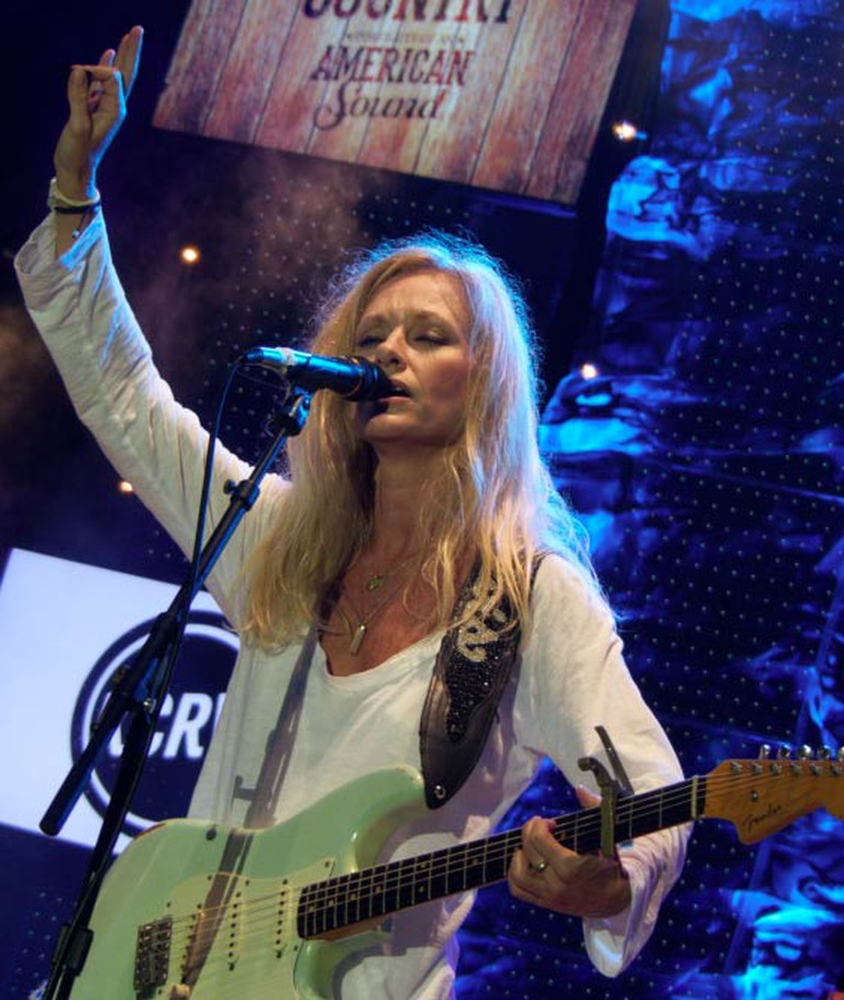 """Shelby Lynne performing live at """"Country in the City"""" in Century City, Los Angeles 