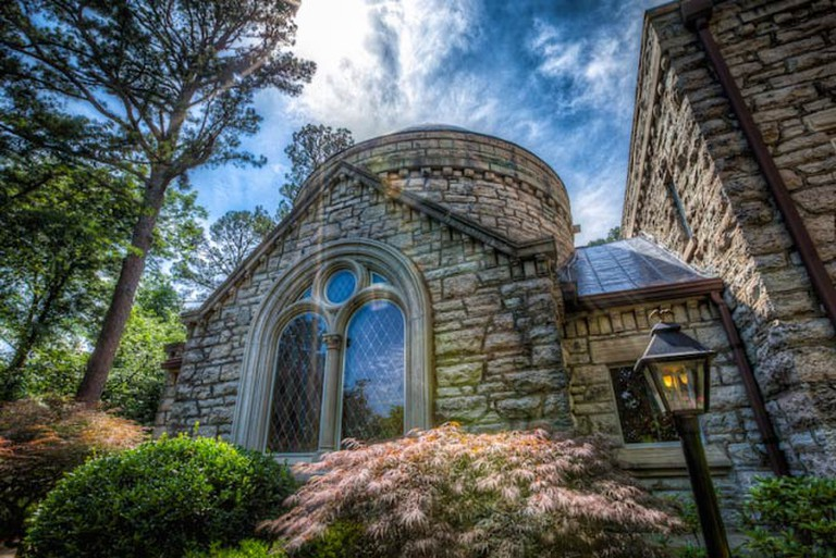 Hidden Church in Eureka Springs | © IPBrian/FlickrCommons