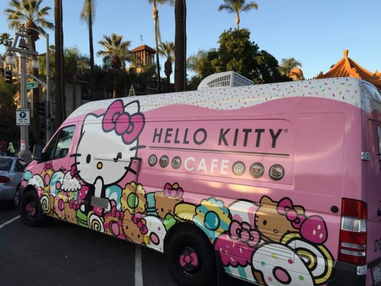 Hello Kitty Food Truck - HelloKittyCafeUSA