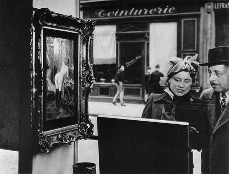 The Sidelong Glance (Romi's Shop), 1948- (C) Robert Doisneau