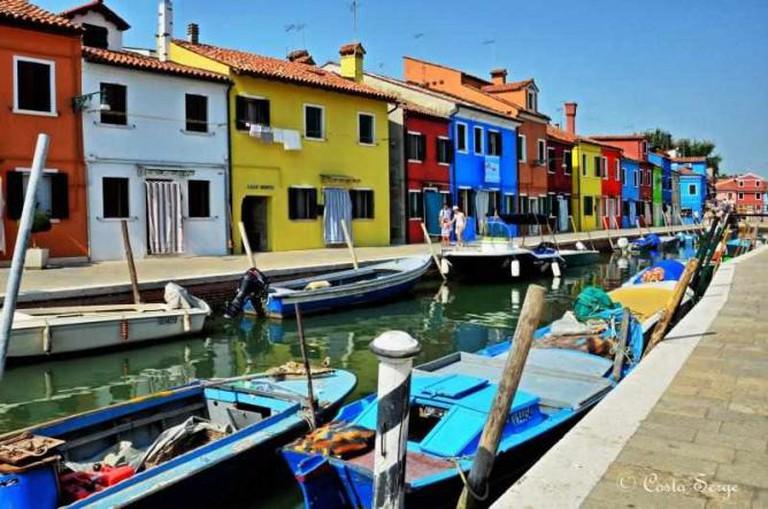 Burano Houses and Gondolas | © Serge Costa/Flickr