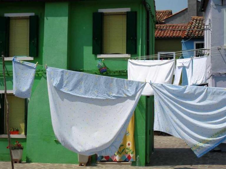 Laundry in Burano | © Simon/Flickr