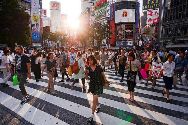 People Crossing at Shibuya Crossing © Candida.Performa / Flickr