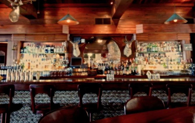 The Bar at Nick's Cove