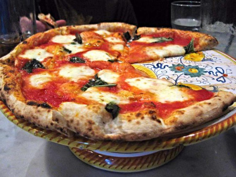 Tony's Napoletana Margherita Pizza l © bnilsen/flickr