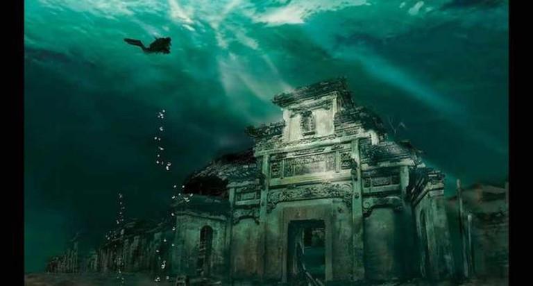 Submerged Shi Cheng | © Randy Tenvoorde/Flickr