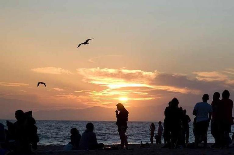 Dockweiler Sunset   © Caitlinmcooper/WikiMedia Commons