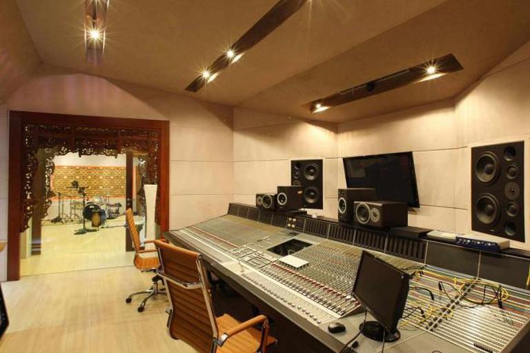 Villa Swara Padi Tracking Room and Control Room