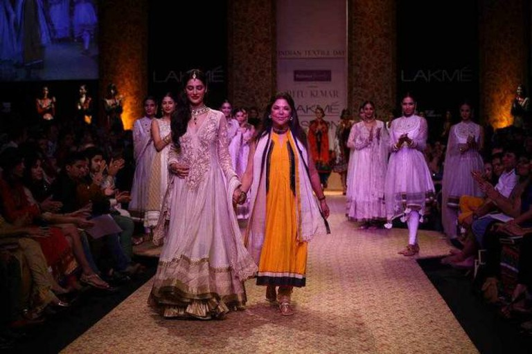 Ritu Kumar at Lakme Fashion Week 2013 | © Sou Boyy/WikiCommons