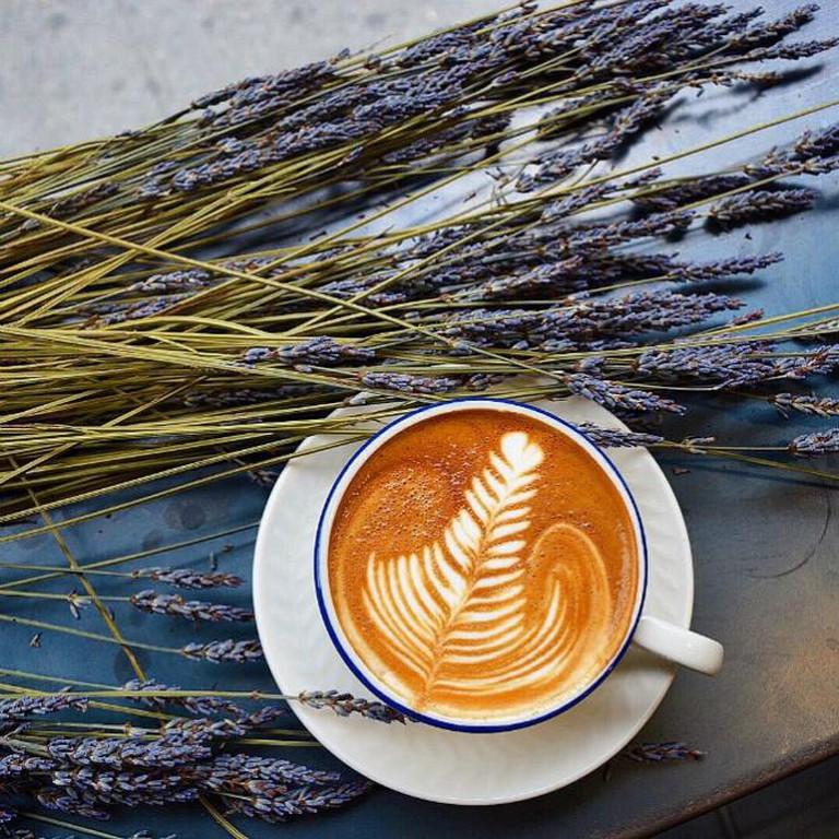 Le Cafe Lavender Latte | © Le Cafe Coffee