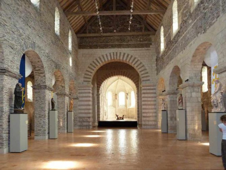 Nave of Collégiale Saint-Martin, Angers | © Sémhur/WikiCommons
