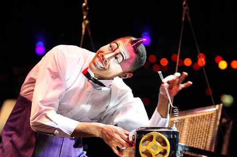 {{IMAGE: Cirque du Soleil's 'Quidam' | @VanerCasaes/Flickr}}