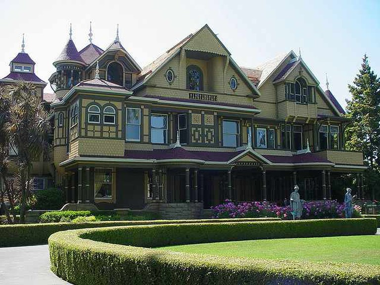 Winchester Mystery House | Flickr/Theotter