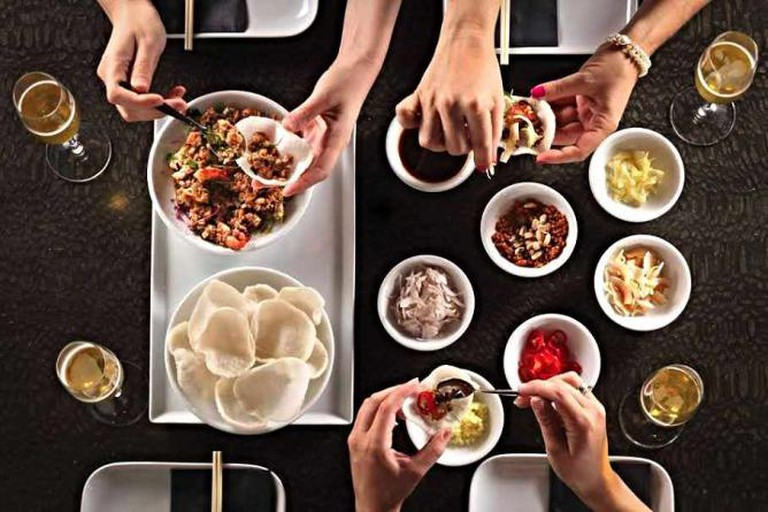 'Dining' By :Dan Peretz